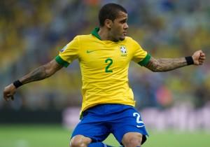 Futbol,  Brasil vs Mexico.Daniel Alves e Torres