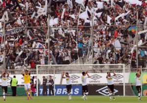 ColoColo_Salida_Monumental_PS_2013