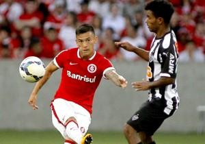 Aranguiz_Inter_Mineiro_PS_2014