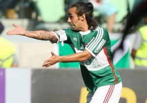 Valdivia_apunta_Palmeiras_PS