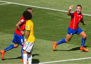 Alexis_gol_Brasil-2014_PS