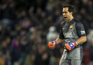 Bravo_festeja_Barcelona_gol