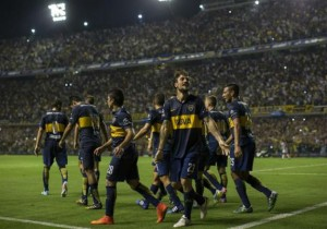 Osvaldo_celebra_Boca_2015