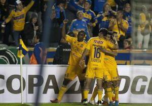 Tigres_Celebra_Juan_Aurich_Libertadores