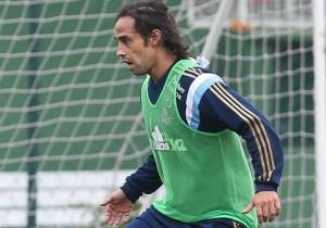 Jorge_Valdivia_entrena_Palmeiras_2015_PS