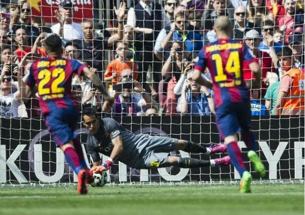 Bravo-ataja_penal_Barcelona_2015_0