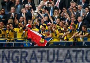 Alexis_FaCup_trofeo