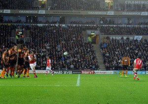 Alexis_gol_tirolibre_Arsenal_Hull_2015