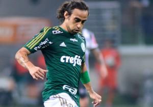 Jorge-Valdivia_Palmeiras_2015_PS
