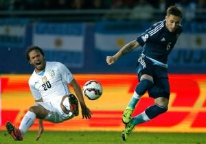 Argentina_Uruguay_Biglia_Gonzalez_Copa_America_PS