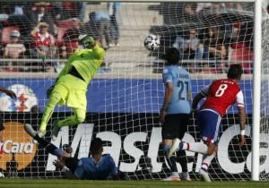 Barrios_gol_Paraguay_Uruguay_2015_PS