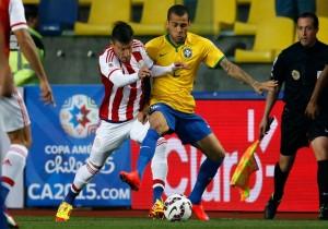 Brasil_Paraguay_Dani_Alves_Copa_America_PS