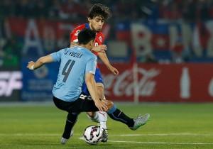 Chile_Uruguay_Valdivia_Macha_Fucile_Copa_America_PS
