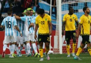 Higuain_gol_Argentina_Jamaica_2015_PS_0