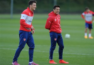 Sánchez_Ozil_Arsenal_Entrenamiento_2015