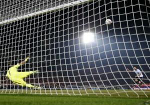 Higuain_penal_Argentina_Chile_PS