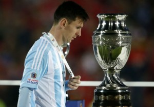 Lionel_Messi_Argentina_mal_CopaAmerica_2015_PS