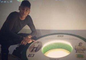 Neymar_Museo_Pele