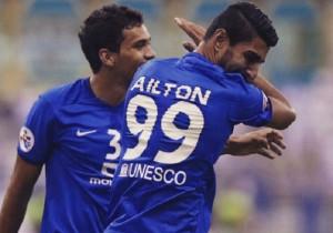 Aillton_celebra_gol