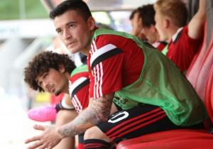 Charles_Aranguiz_banca_Leverkusen_2015