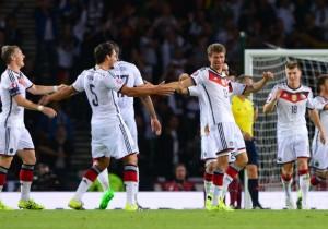 Alemania_celebra_gol_sept_2015_2