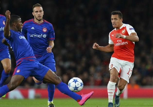 Alexis-Sanchez_Arsenal-Olympiakos_2015