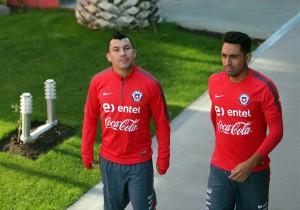 Entrenamiento_Chile_Medel_Jara_2_2015_ANFP