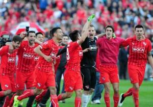Independiente_celebra_gol-Argentina_2015