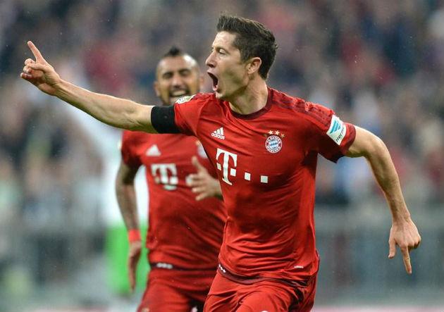 Lewandowski_gol__Bayern_2015_4