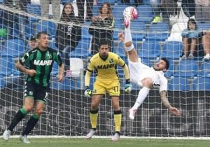 Mauricio_Pinilla-gol-chilena-Atalanta_blanco_2015