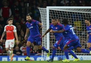 Olympiakos_gol_Arsenal_2015