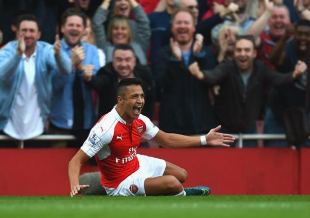 Alexis_Walcott_celebra_Arsenal_Manchester_United_2015