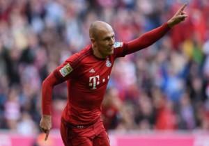 Arjen_Robben_gol_Bayern_2015_0