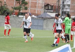 Colo_Colo_Femenino_Universitario_Lima_Libertadores_3_2015