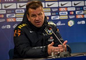 Dunga_Brasil_Conferencia_Eliminatorias_2015_PS
