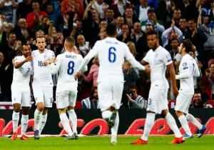 Inglaterra_gol_abrazo_2015_0