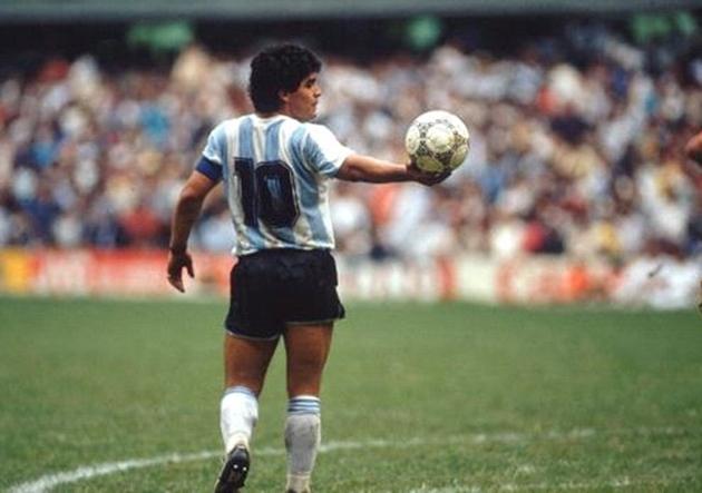 Maradona_Espalda_Argentina