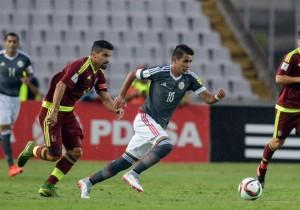 Paraguay_Venezuela_Eliminatorias_2015_González