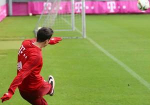 Lewandowski_corner_2015_Bayern