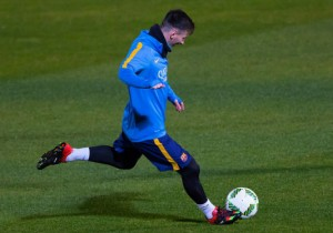 Lionel-Messi_disparo_entrena_Barcelona_2015