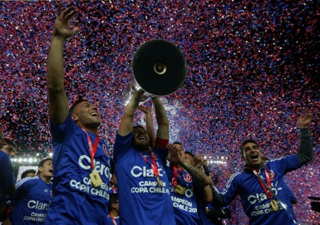 UdeChile_campeon_trofeo_CopaChile_2015__PS_1