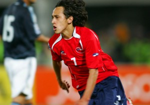 Fabian_Orellana_gol_historico_Chile_Argentina_2008