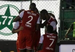 OPetrolero_SantaFe_Libertadores_Abrazo