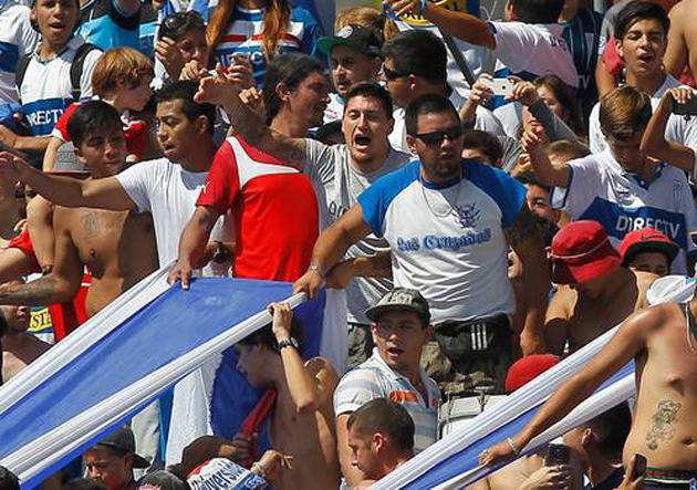 Banderazo UC Nicolás Castillo