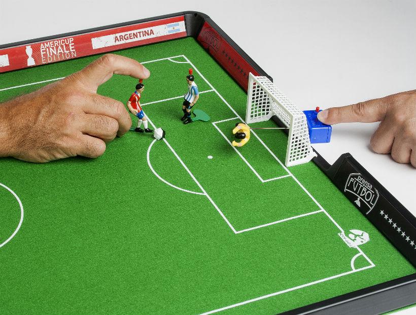 Tipp kick disfruta la pasi n por el f tbol con este gran for Juego de mesa de futbol