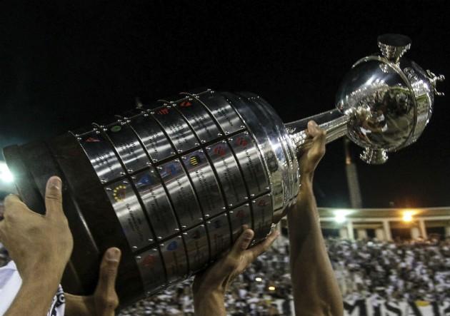 Trofeo_Copa-Libertadores-0