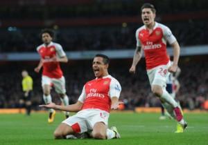 Alexis_Sanchez_festeja-gol-rodilla_Arsenal_abril_2016