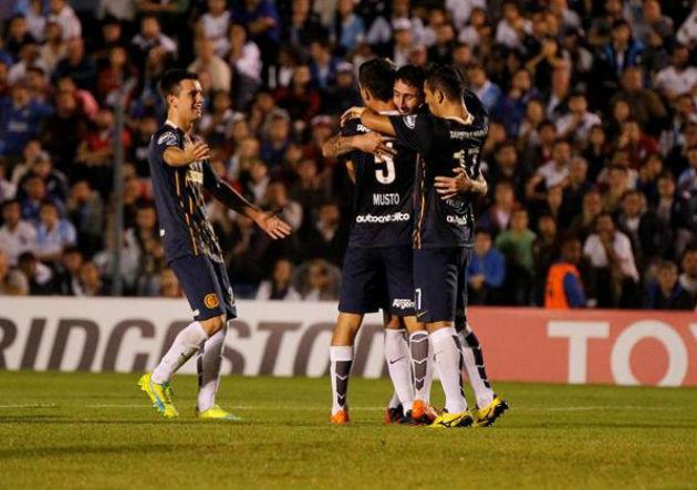 Nacional Rosario Central_Copa Libertadores_1