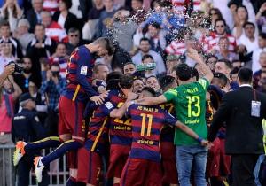 Barcelona_campeon_celebran_abrazo_2016