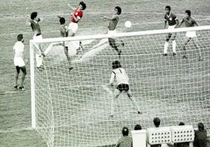 Elias_Figueroa_gol_iluminado-Inter